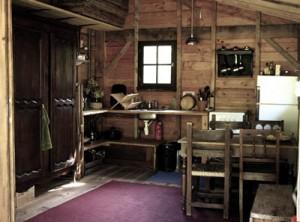 Yourtes de la voix du ruisseau languedoc roussillon for Cuisine yourte