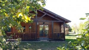 les-chalets-de-fiolles-location-camping-chalet7