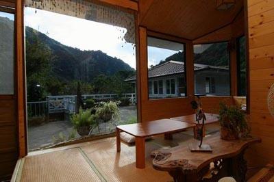 Véranda_Fuyam_Tourist_Home_Neorizons