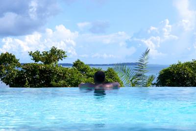 Piscine_avec_vue_Fundu_Lagoon_Neorizons