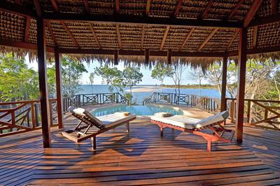 Piscine_villa_Antsanitia_Resort