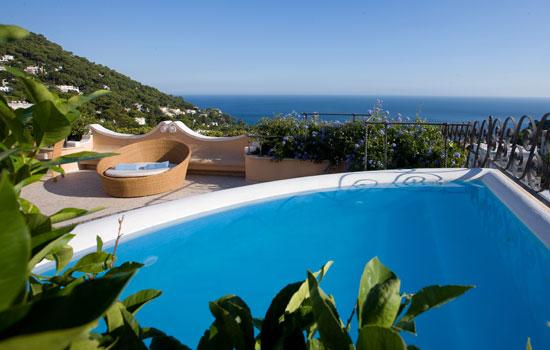 les plus beaux h tels romantiques h tel capri tiberio palace capri italie neorizons. Black Bedroom Furniture Sets. Home Design Ideas