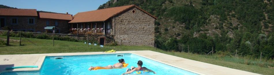 Chambre d 39 hotes auvergne avec piscine for Chambre hote piscine